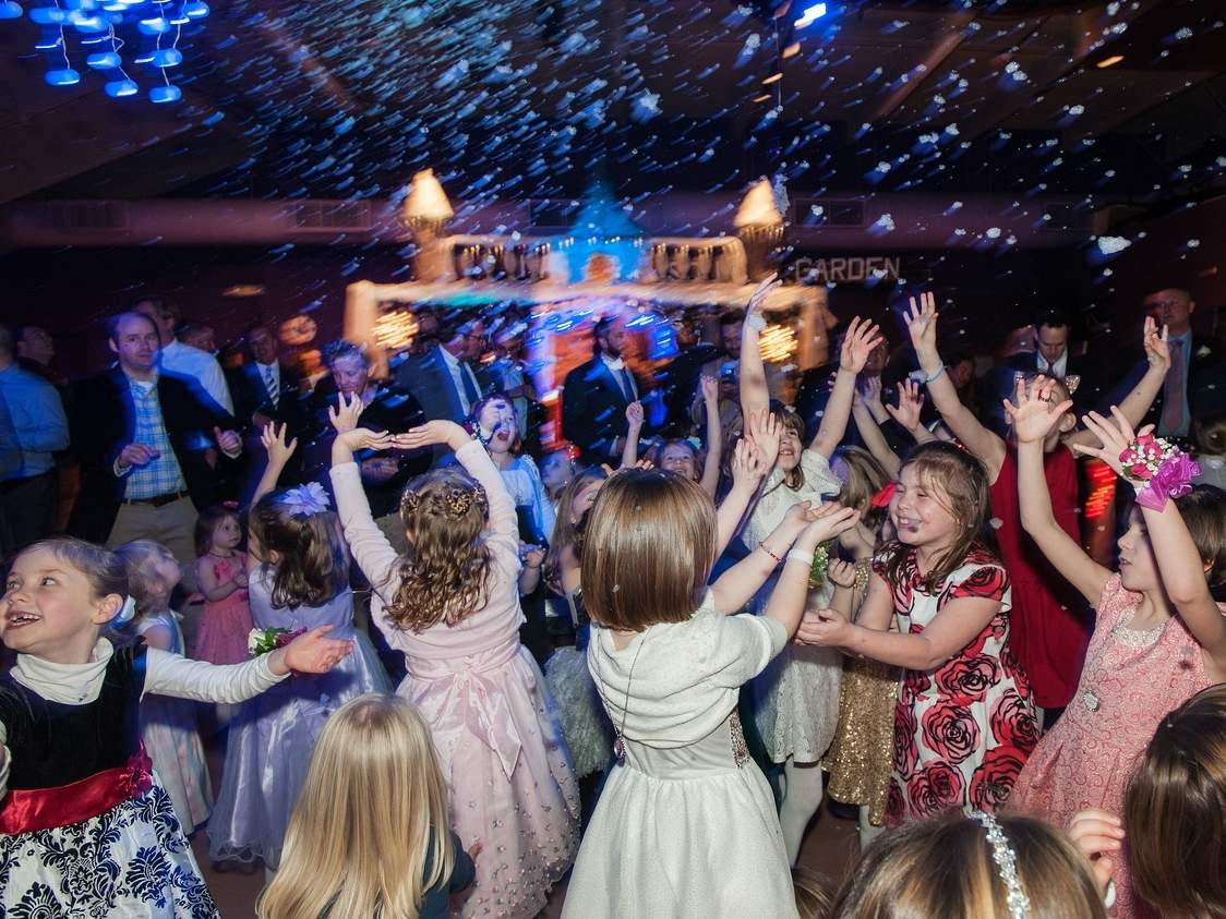 The Madison Arts Barn hosted the 2017 Daddy Daughter Dance on Feb. 11. Photo by Susan Lambert/The Source
