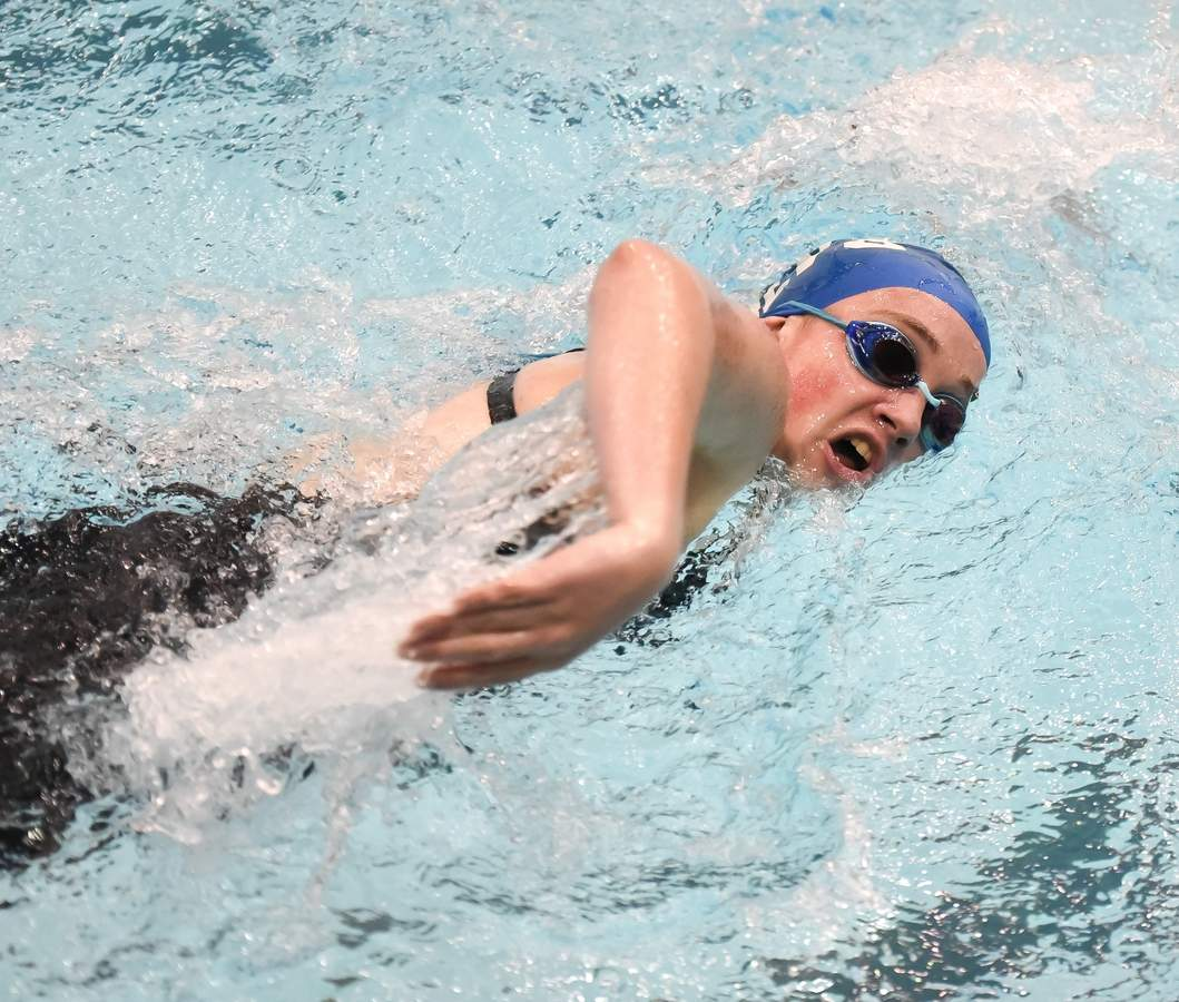 Old Lyme-Valley_Old Saybrook  girls swimming finished 6th in the CIAC Class M Championship at SCSU. Lauren Lee  500 Free Photo by Kelley Fryer/Harbor News