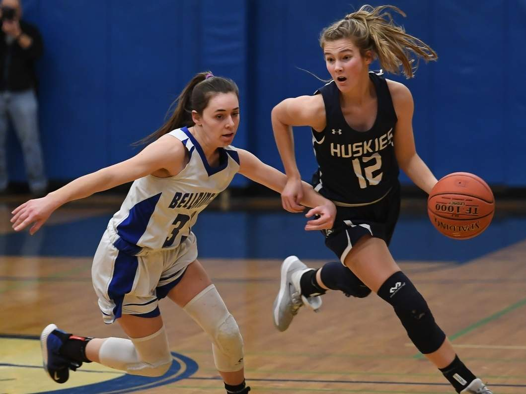 Senior captain guard Catie Donadio and the Moran girls' basketball squad turned in an 18-win season last year, and in 2021, they hope to make a run at the Shoreline Conference Championship.  File photo by Kelley Fryer/Harbor News