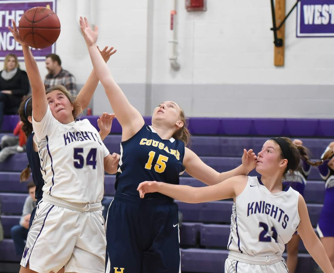 Callie Newburg (54), Lexi Koplas (21) Photo by Kelley Fryer/Harbor News