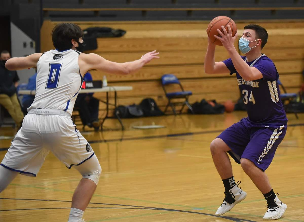 Westbrook boys basketball lost 48-54 to Old Saybrook at Old Saybrook High School. Nicholas Palumbo (34) Photo by Kelley Fryer/Harbor News